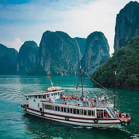 [Đi Về Cao Tốc] Tour Hà Nội - Hạ Long - Hang Sửng Sốt - Đảo Titop 01 Ngày, Gồm Bữa Trưa, Chèo Thuyền Kayak, Khởi Hành Hàng Ngày