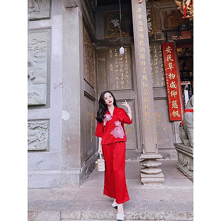 Bộ lụa đi chùa đắp hoa nổi cao cấp - Đồ lam nữ đi chùa - Quần áo đi chùa - Đồ phật tử - Bộ đồ đi lễ chùa hoa nổi - 4 màu:Vàng-hồng-đỏ-trắng - free size 40 đến 60kg - Hàng Việt Nam