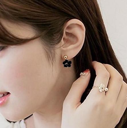 Bông tai nữ thời trang Hàn Quốc hoa năm cánh nữ tính (màu đen)