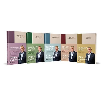 Bộ 5 Cuốn Sách Lãnh Đạo Phong Cách John C. Maxwell: 21 Nguyên Tắc Vàng Của Nghệ Thuật Lãnh Đạo + Lãnh Đạo Giỏi Hỏi Câu Hay + Phát Triển Kỹ Năng Lãnh Đạo + Tinh Hoa Lãnh Đạo + Nhà Lãnh Đạo 360 ( Bản đặc biệt có hộp )