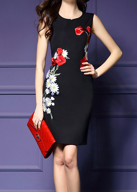 Váy đầm suông trung niên sang trọng sát nách màu đen thêu hoa đầm đẹp có đủ size cho người từ 40-70kg D313