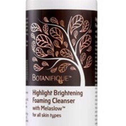 Sữa rửa mặt tạo bọt trắng sáng da Botanifique – highlight brightening foaming cleanser