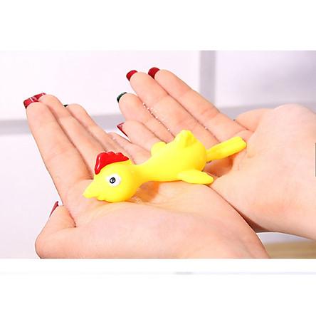 gà bắn tường vui nhộn, gà bay dính tường silicon, chất liệu an toàn không độc hại