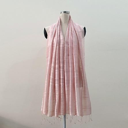 Khăn Lụa Tơ Tằm thủ công Việt Nam màu hồng phấn nhẹ nhàng, mềm mại
