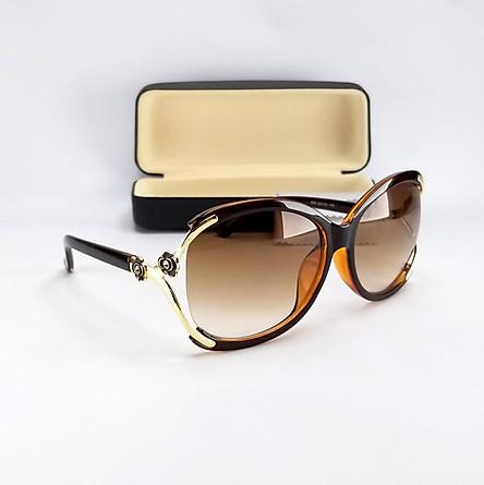 Mắt kính mát nữ thời trang form oval màu nâu trà, chống tia UV. Tặng hộp đựng kính và khăn lau kính. Mã DKY858TR