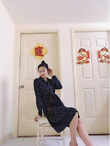 Đầm Hoa Nhí Cổ Sơ Mi Tay Dài Bo Thun Eo Freesize