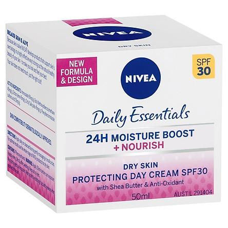 Nivea Visage Light Moisturising Day Creme SPF30+ Dry Sensitive 50ml