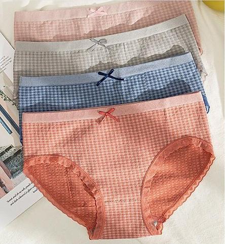 Combo 4 quần lót nữ y tế kháng khuẩn cao cấp chất liệu cotton 4 chiều siêu co dãn thoáng mát, phù hợp từ 40 - 62 kg.