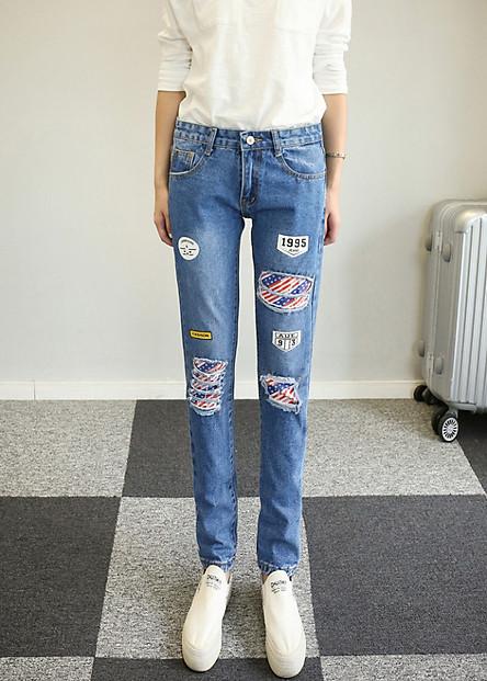 Quần jeans nữ rách logo 1995 Mã: QD1226