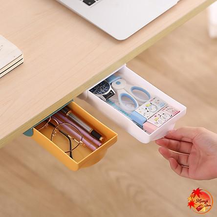 Hộc Dán Ngăn Kéo Bàn Mini Kích Thước 3,5x9x21cm HT201 có thể chứa rất nhiều thứ như bút, thước kẻ, la bàn, khăn giấy, kéo, điện thoại di động