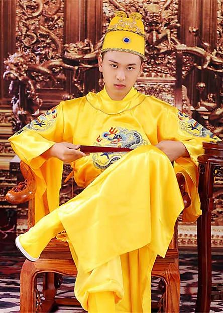 Trang Phục Vua Chúa Hoàng Thượng Hoàng Đế Bộ Quần Áo Vua Chúa Long Bào Hoàng Bào Thêu Hình Rồng Đẹp Mắt