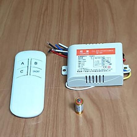 Công tắc điều khiển từ xa 3 cổng kèm tay điều khiển và pin