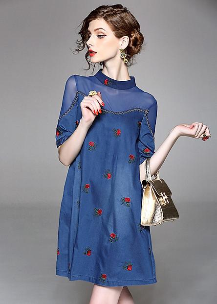 Đầm suông dự tiệc kiểu đầm suông oversize denim thêu hoa nhí phối lưới ROMI0392
