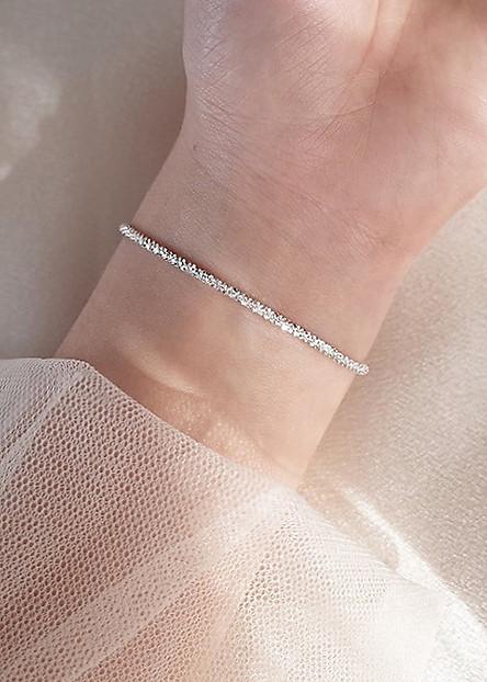 Vòng tay nữ bạc đá xoắn