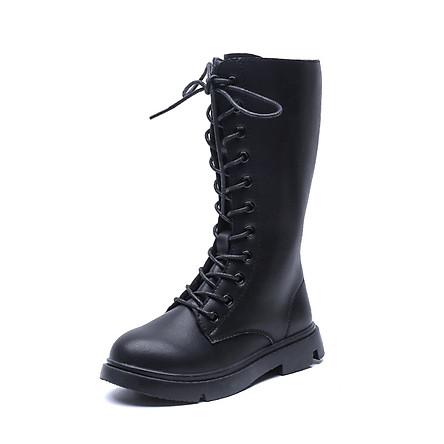 Giày boot cao cổ trẻ em nữ thiết kế đơn giản nhưng vẫn toát lên vẻ đẹp thời thượng