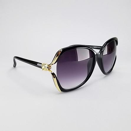 Mắt kính râm thời trang nữ màu đen khói, mã DKY1925KH. Bộ kèm hộp đựng kính và khăn lau kính.