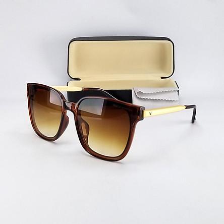 Mắt kính mát nữ thời trang form chữ nhật màu nâu trà, chống tia UV. Gọng kim loại không gỉ. Mã DKY6035TRD