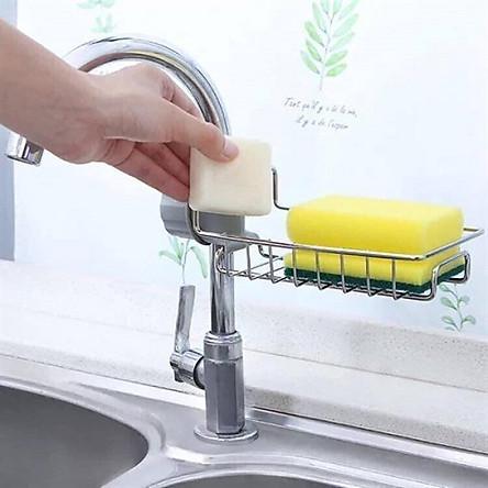 Kệ để đồ rửa chén cạnh vòi rửa