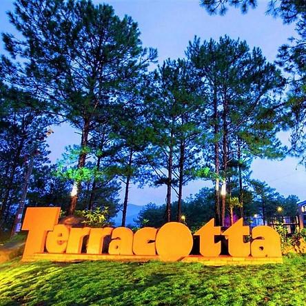 Terracotta Hotel & Resort 4* Đà Lạt - Buffet Sáng, Bữa Tối, Hồ Bơi, Xe Đưa Đón Trung Tâm - Infinity Pakage