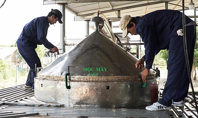 Tinh dầu Gỗ Đàn Hương 100ml Mộc Mây - tinh dầu thiên nhiên nguyên chất 100% - chất lượng và mùi hương vượt trội - Có kiểm định 13