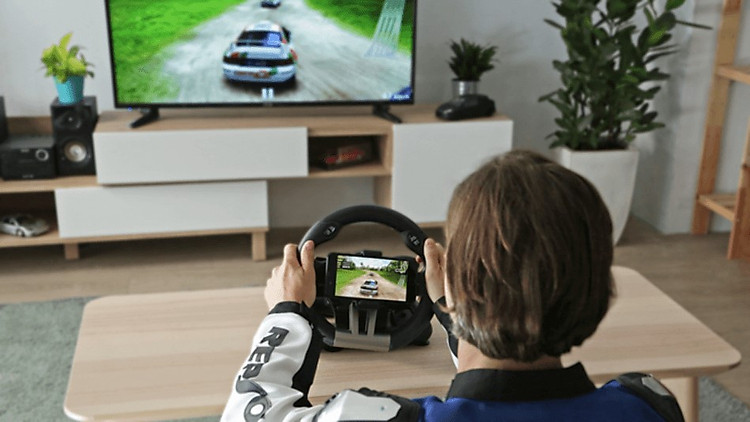 Mirror the screen of your racing game on your TV. Unleash your driving skill and nail the race!