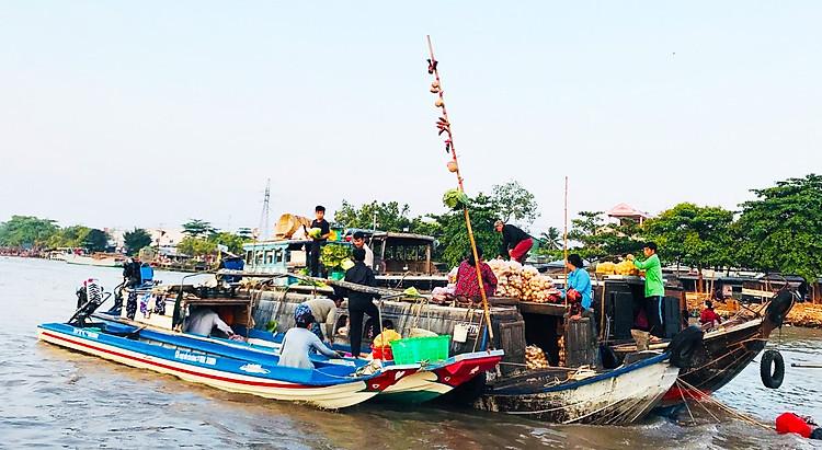 Cho Noi Cai Rang Can Tho - tour miền Tây 4 ngày 3 đêm