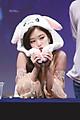 Mũ nón tai thỏ giật giật Jennie Blackpink Jihoon (Wanna One) Nayeon (Twice)