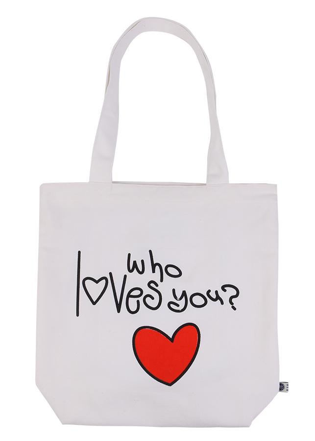 """Túi Xách Vải Bố In Họa Tiết Chữ """"Who I Loves You?"""" Xanh Canvas BSVMXC01166 (35 x 35 cm) – Trắng - 7852321 , 7107859565629 , 62_768675 , 128000 , Tui-Xach-Vai-Bo-In-Hoa-Tiet-Chu-Who-I-Loves-You-Xanh-Canvas-BSVMXC01166-35-x-35-cm-Trang-62_768675 , tiki.vn , Túi Xách Vải Bố In Họa Tiết Chữ """"Who I Loves You?"""" Xanh Canvas BSVMXC01166 (35 x 35 cm) – Trắng"""
