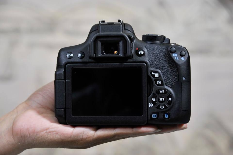 Canon EOS 750D + 18-55 STM (Lê Bảo Minh)