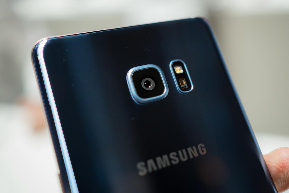Điện Thoại Samsung Galaxy Note FE - Hàng Nhập Khẩu