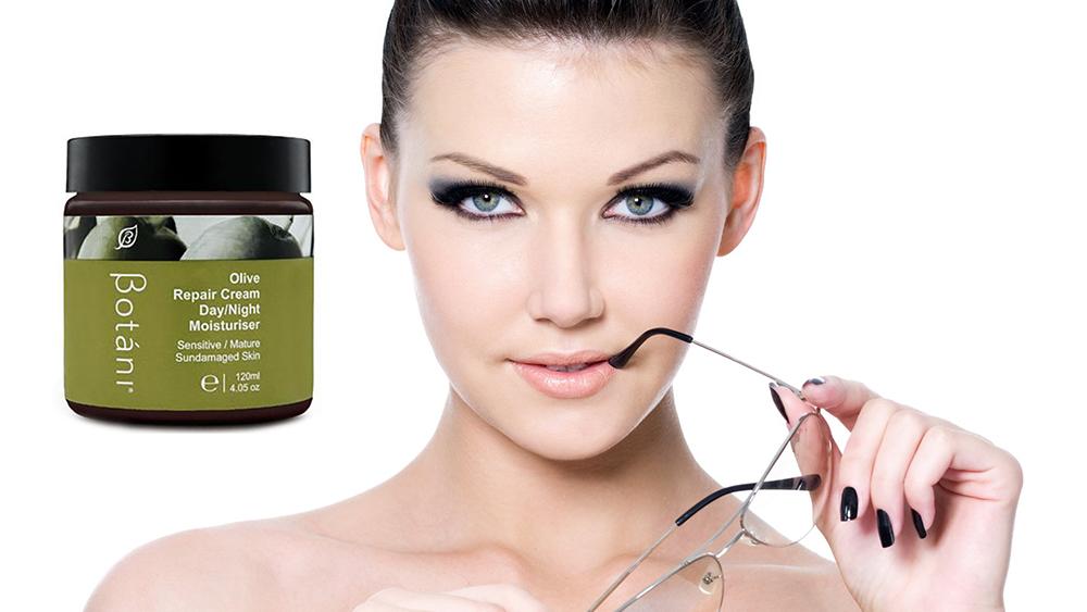 Kem Olive Dưỡng Ẩm Ngày Và Đêm Botani Olive Repair Cream Day & Night Moisturiser BPSO004 (120g)