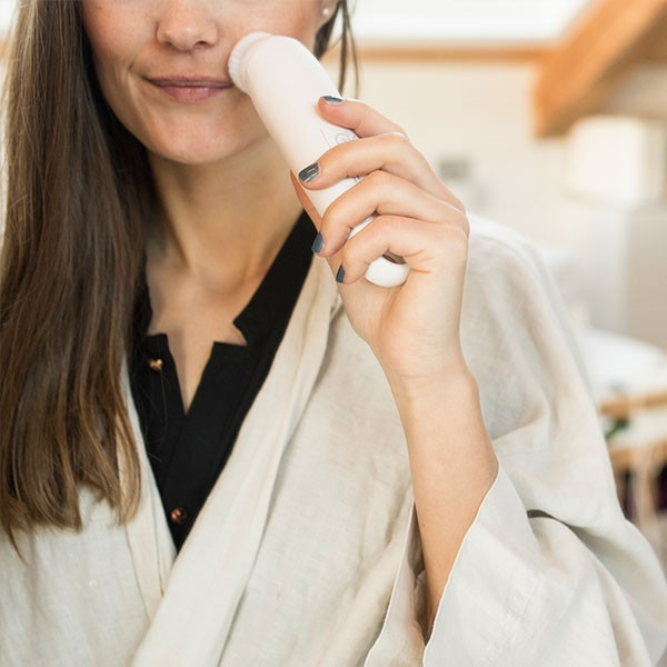 Máy Rửa Mặt Massage Tẩy Tế Bào Chết Beurer FC45