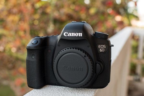 Máy Ảnh Canon 6D (Body)  Máy ảnh Canon 6D thiết kế đơn giản vớ