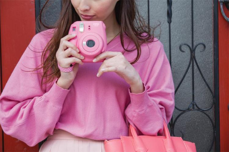 Máy Ảnh Selfie Lấy Liền Fujifilm Instax Mini 9 - Flamingo Pink - Hàng Chính Hãng