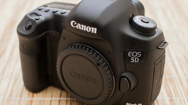 Máy Ảnh Canon 5D MARK III (Body)