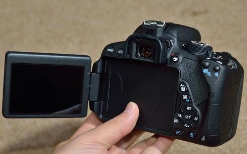 Máy Ảnh Canon 700D Và Lens 18-55 STM