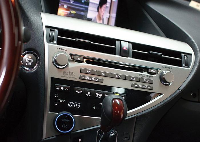 Bộ Nhận Tín Hiệu Bluetooth Trên Ô Tô Belkin F4U037qe - Hàng Chính Hãng