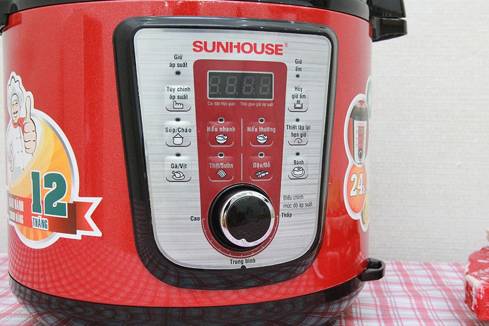 Nồi Áp Suất Điện Tử Đa Năng Sunhouse SHD1767 (6L) - Đỏ - Hàng chính hãng