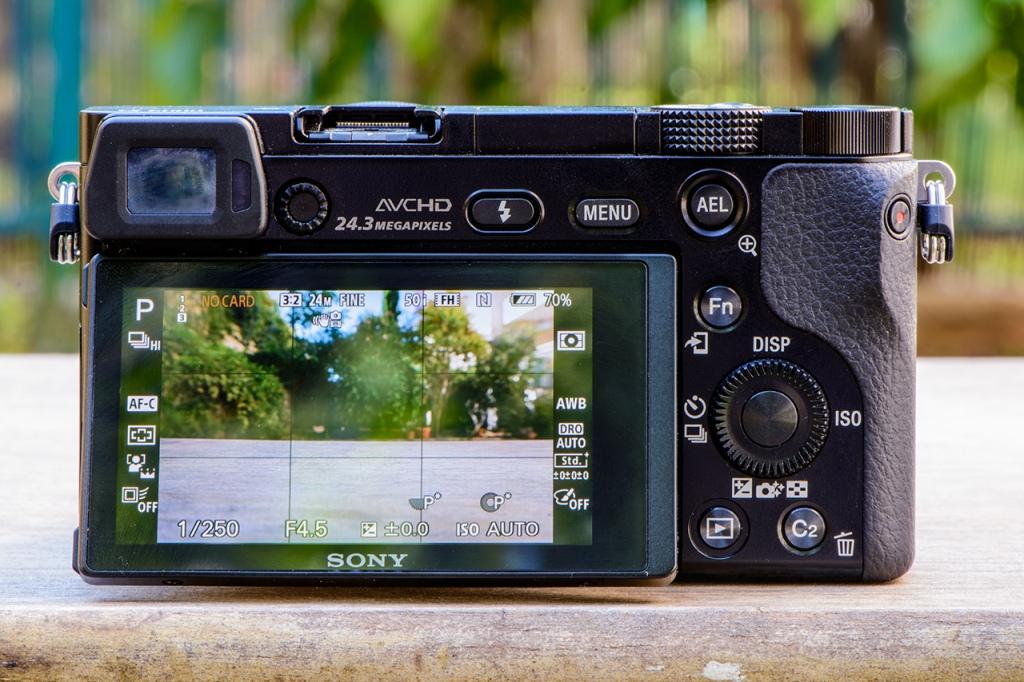Màn hình và chế độ chụp của Sony A6000
