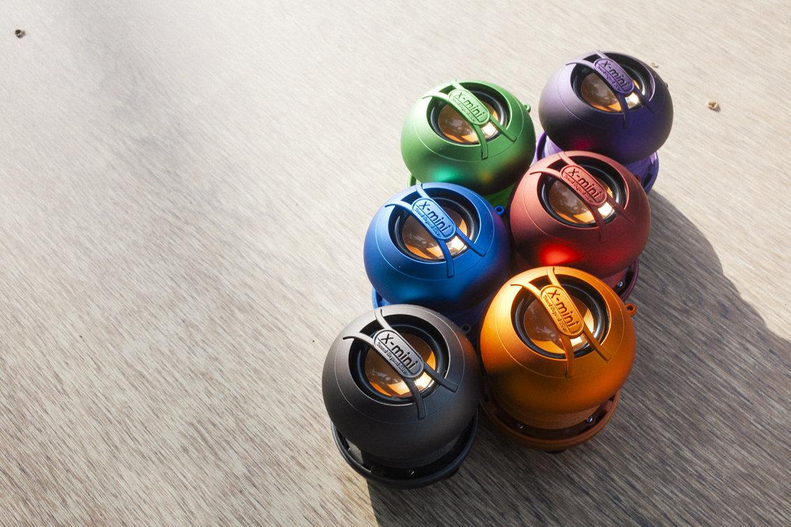 Loa X-Mini UNO có rất nhiều màu sắc rất cá tính và nổi bật