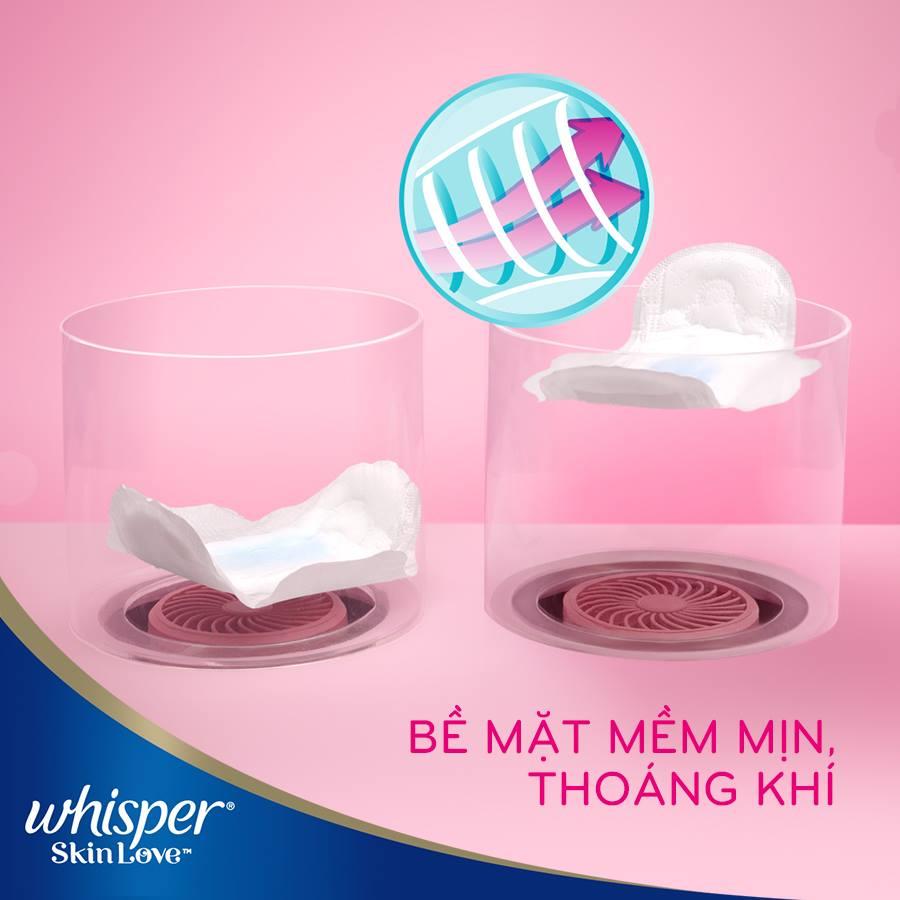 Combo 3 Băng Vệ Sinh Whisper SkinLove Siêu Mỏng Có Cánh Ngày Vừa 24cm (Gói 18  Miếng)