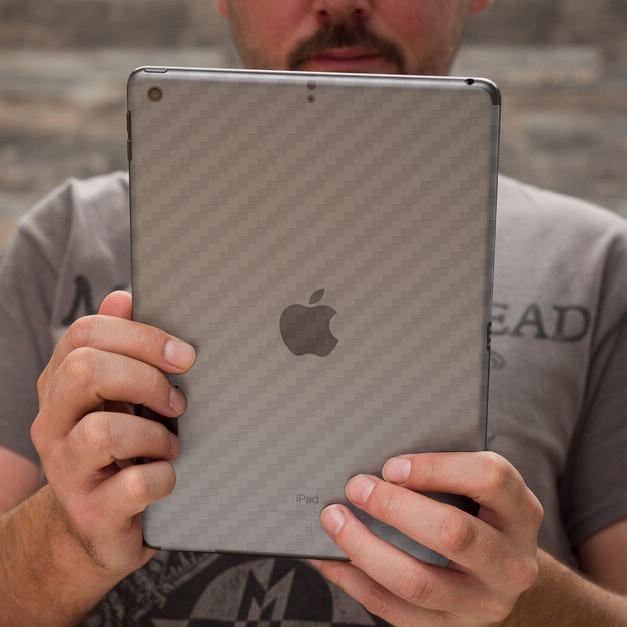Miếng Dán Mặt Lưng Cacbon Dành Cho iPad 10.2- Handtown - Hàng Chính Hãng
