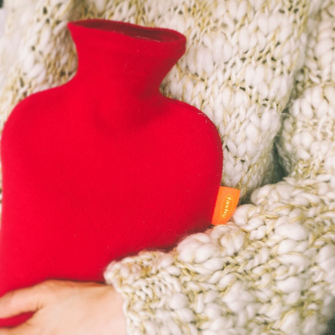 Túi chườm nóng lạnh Fashy Đức dòng bọc lông cừu phù hợp cho người lớn