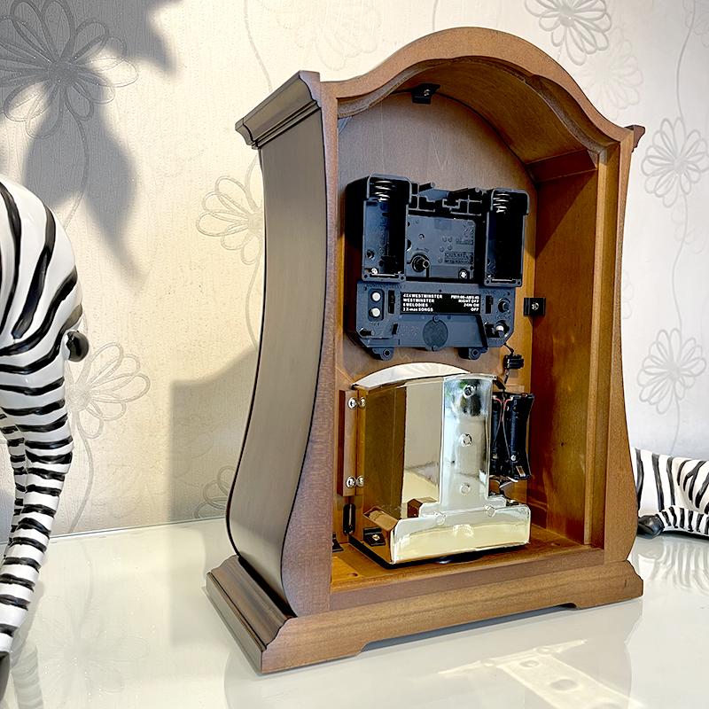 Đồng hồ để bàn hiệu RHYTHM - JAPAN CRH165NR06 Wooden Table Clocks