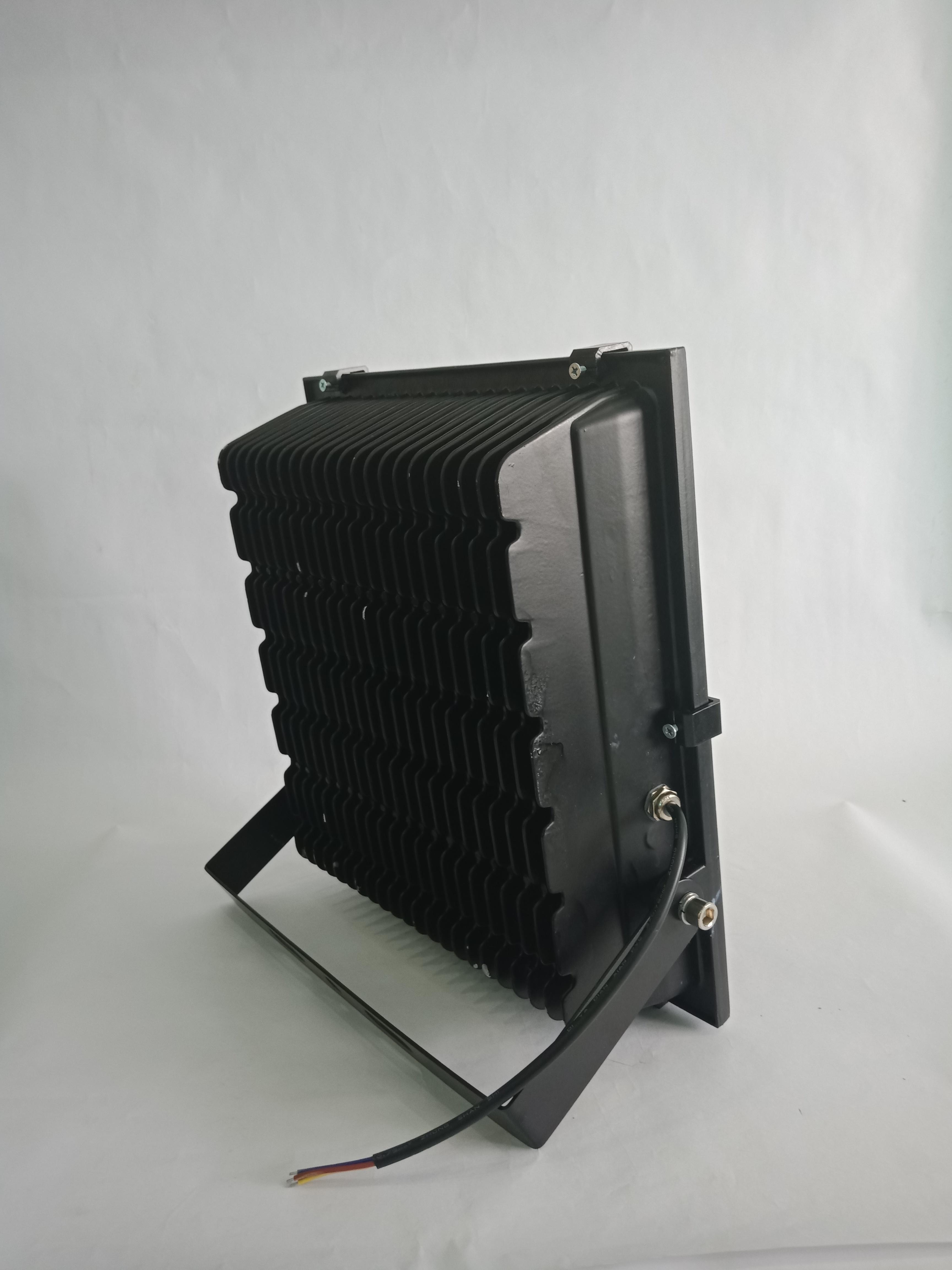 ĐÈN LED PHA 100W IP67 CHÍP COB (sáng trắng)
