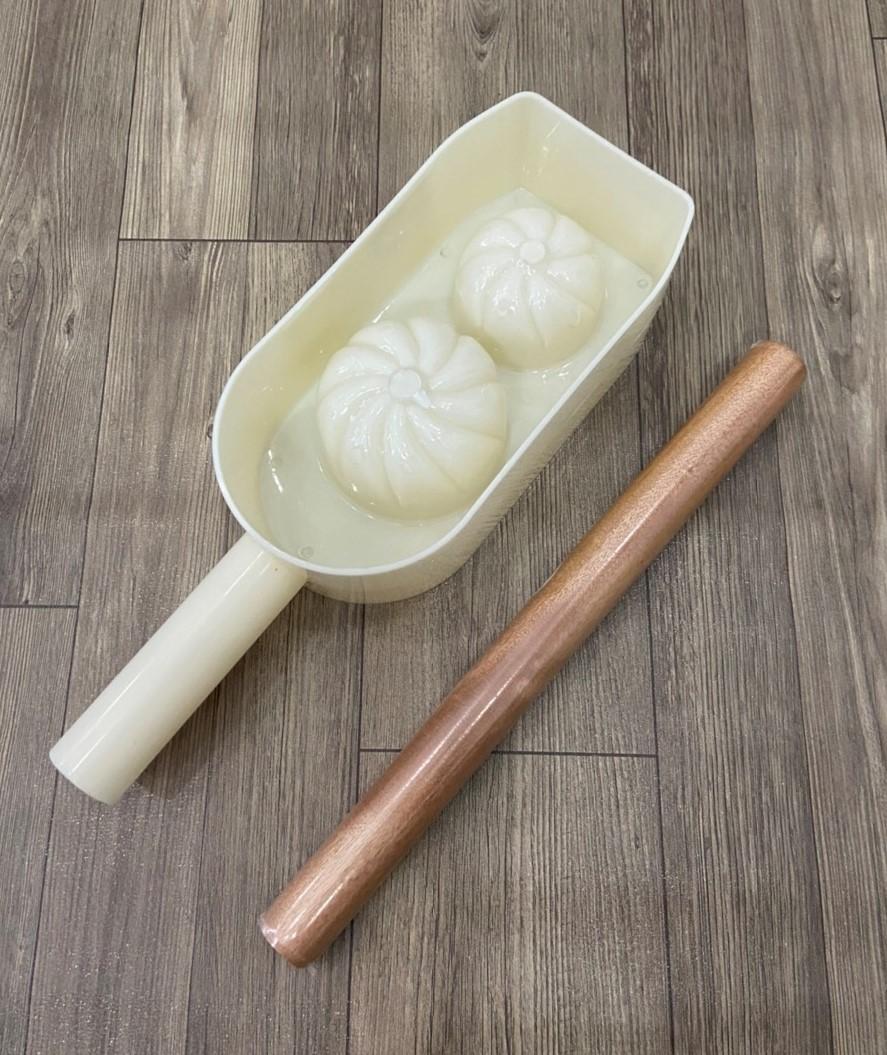 Combo Khuôn Làm Bánh Bao 2 Kích Cở 6cm & 7,5cm + Cán Lăn Bột Gỗ 30cm