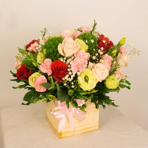 """Hộp hoa tươi - Hộp Hoa """"Dịu Ngọt & Ấm Áp"""" 4041"""