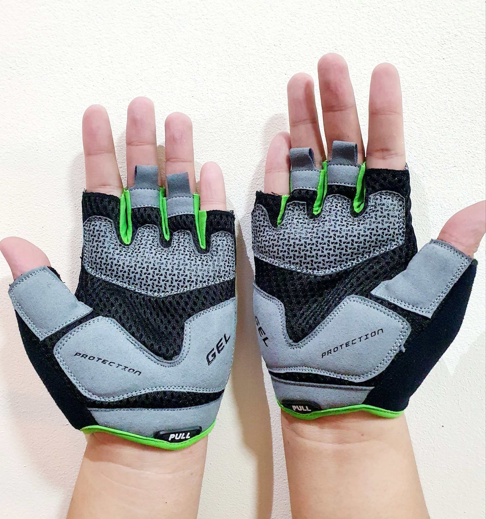 GĂNG TAY TẬP GYM ULTIMATE FIT GLOVES