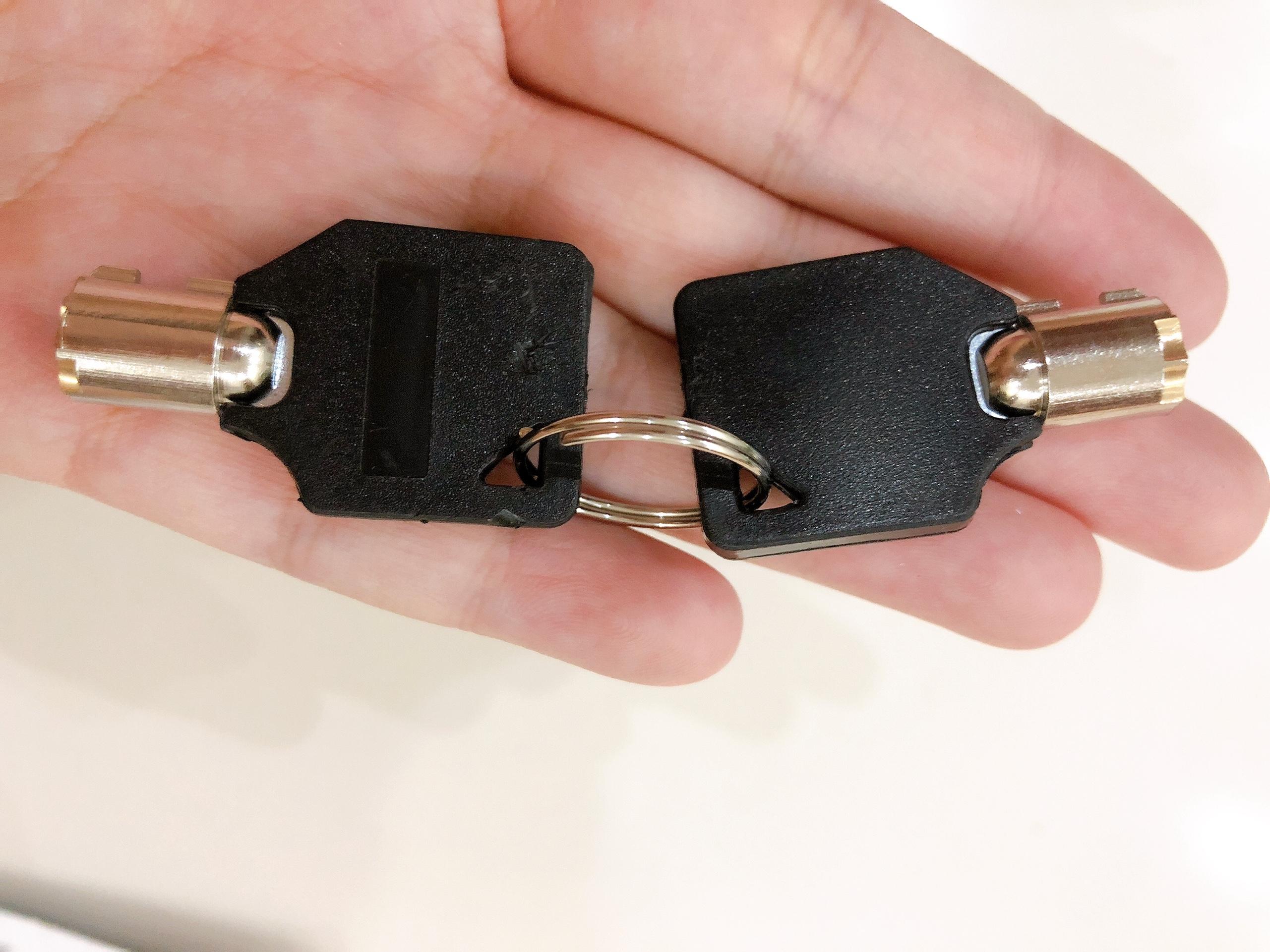 Ổ khóa đĩa hợp kim nhôm (cốt khóa inox) chống trộm dùng được cho mọi loại xe máy gồm 1 ổ khóa và 2 chìa khóa - màu giao ngẫu nhiên