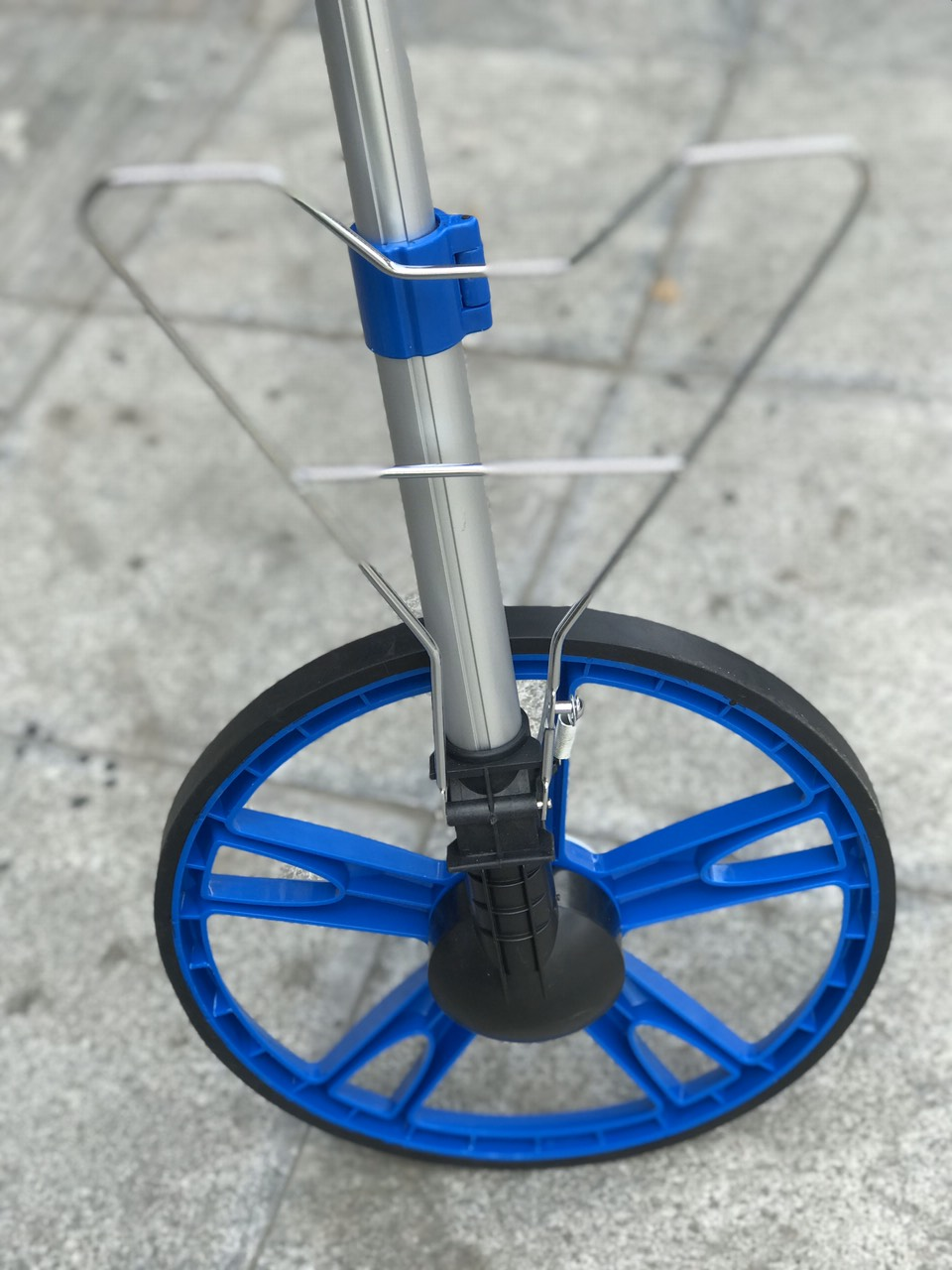 Thước đo khoảng cách bằng  bánh xe điện tử chính hãng C-Mart